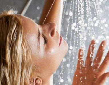 Когда лучше принимать душ